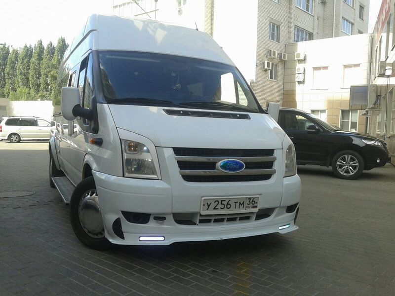 Ford Transit Luxe – 750 руб./час
