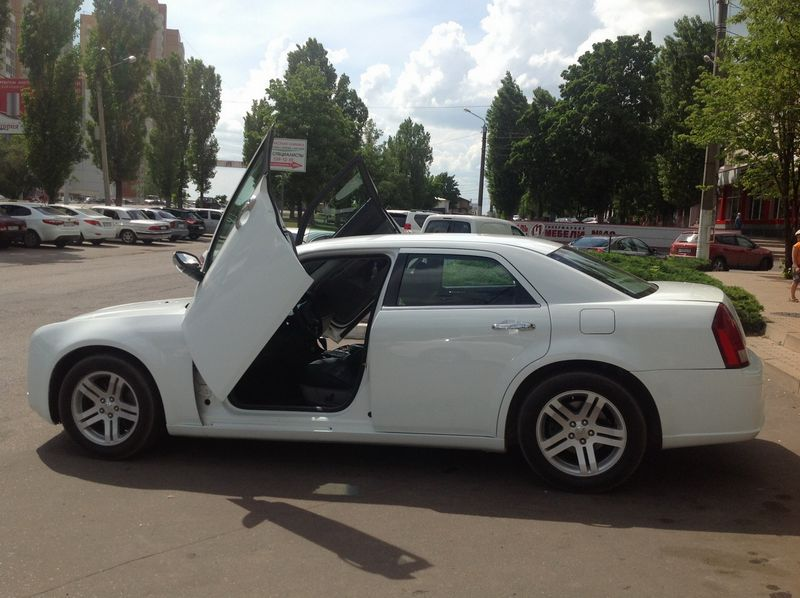 Chrysler 300C Lombo – 1300 руб./час
