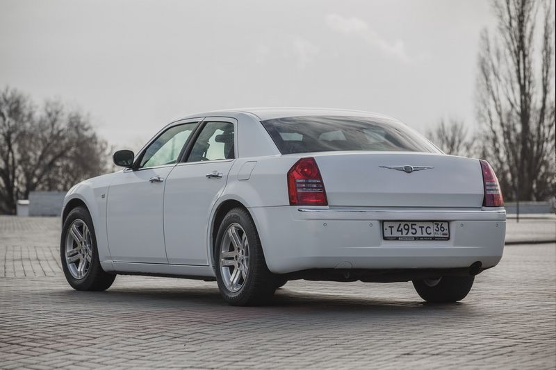 Chrysler 300C – 900 руб./час