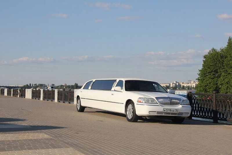 Lincoln town car ultra super strech – 2300 руб./час