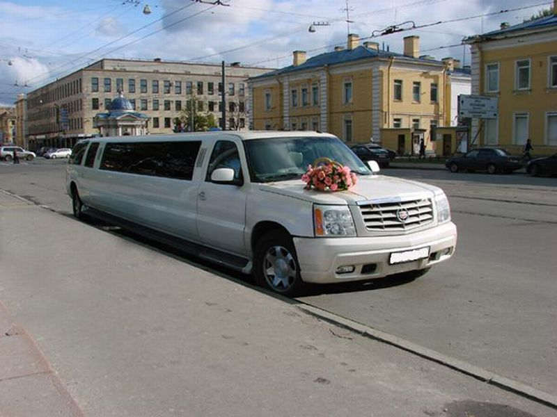 Cadillac Escalade Giper Ultra Super Stretch – 4500 руб./час