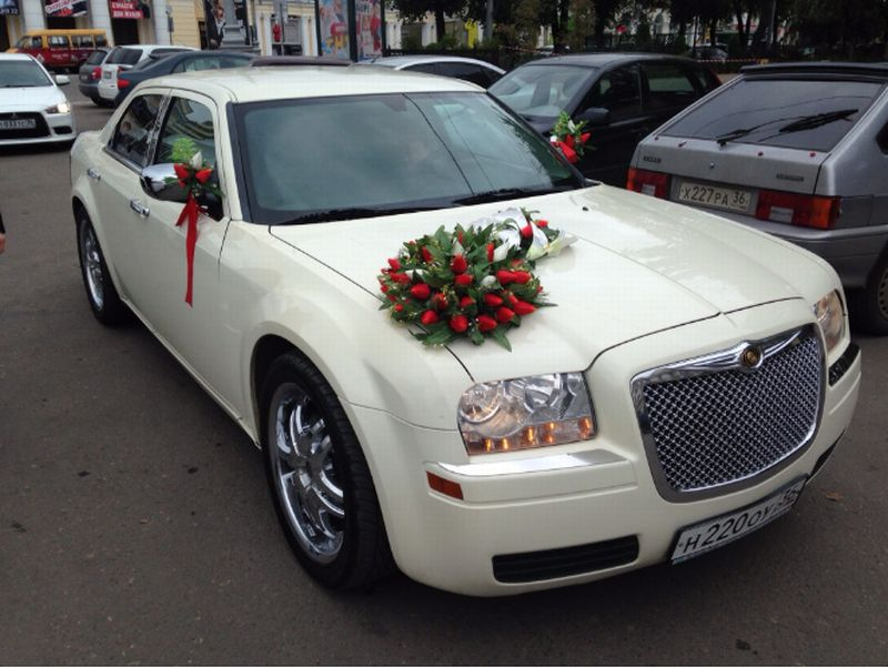 Chrysler 300C ламбо двери – 1300 руб./час