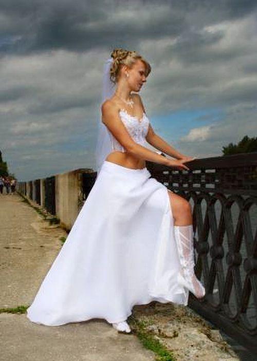 Свадебное в платье и сапожках