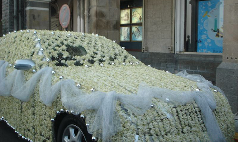 оформление свадебной машины фото